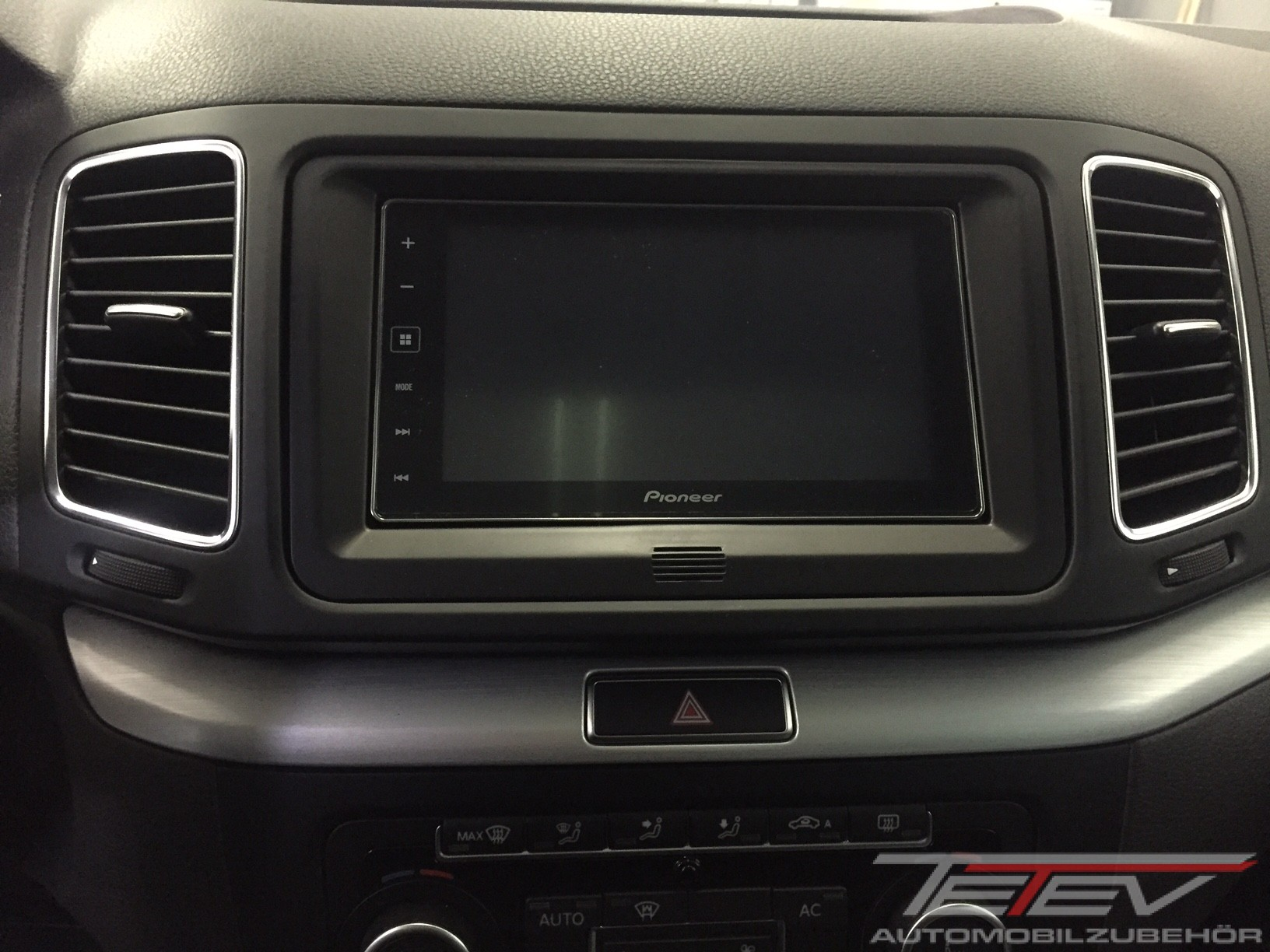 Pioneer AppRadio im VW Sharan